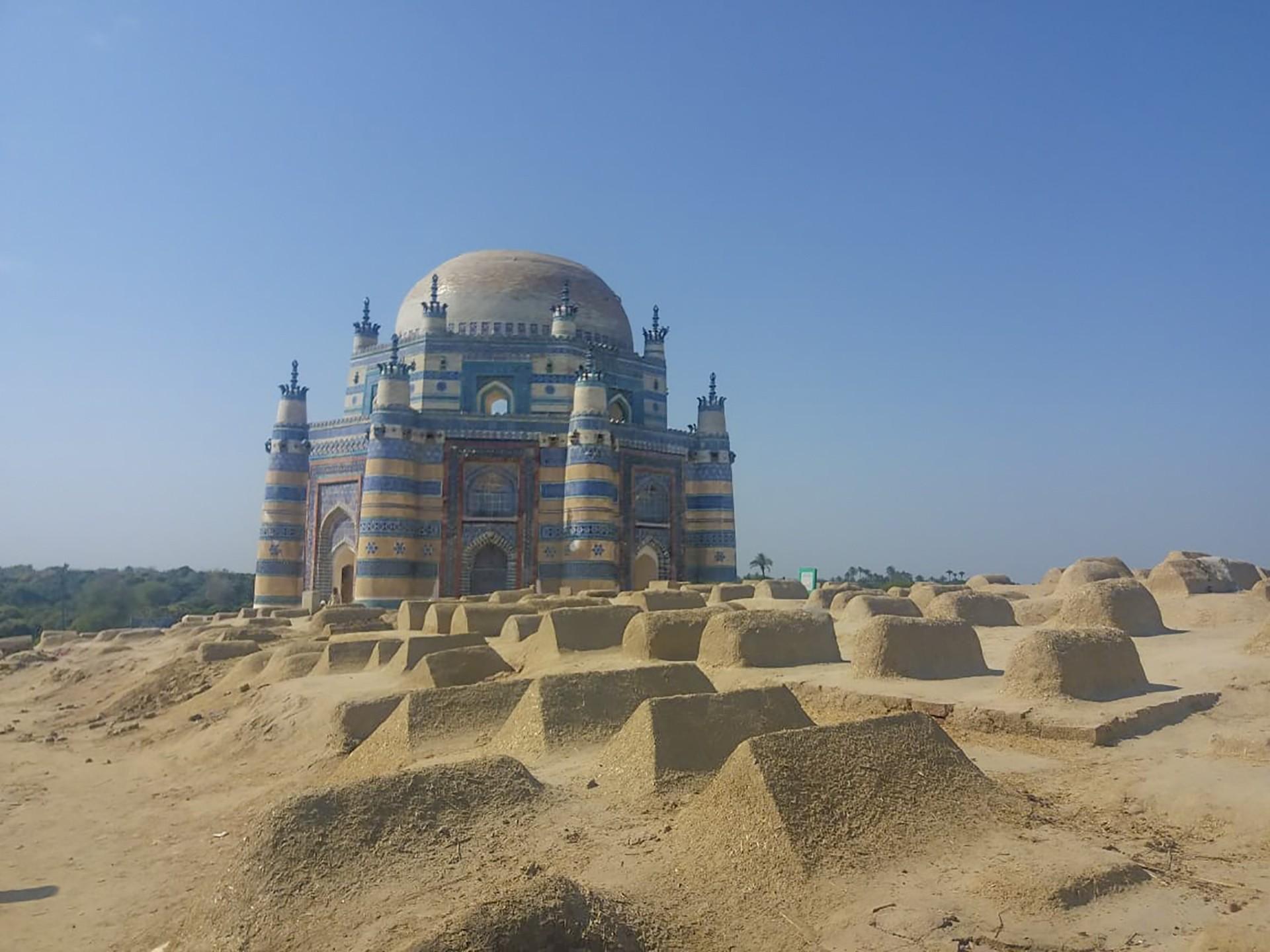3 Tomb of Bibi Jiwindi