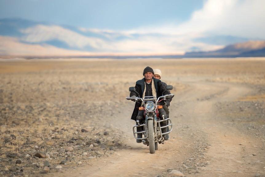 """alt=""""La vita nella steppa dei nomadi di Bayan-Olgii, in Mongolia"""""""